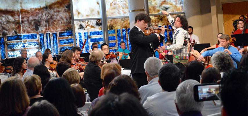 Violinist, Jan Mracek and the ICOPR at the Museum of Art of Puerto Rico